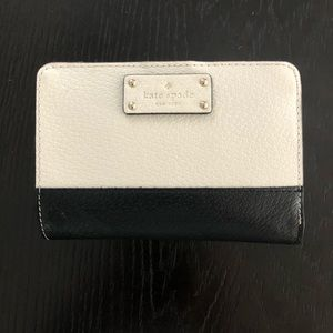 Kate Spade black/white Tellie Grove Street wallet.